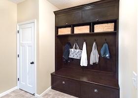 03-mudroom-cabinets
