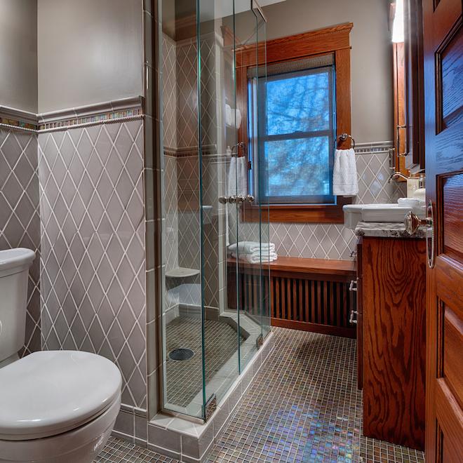 Bathroom Cabinets in Minneappolis