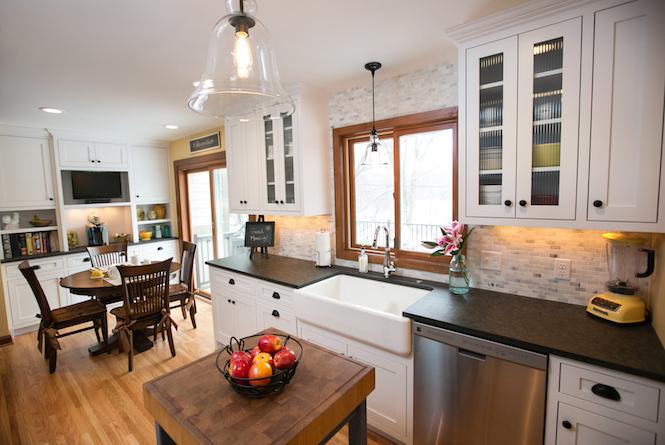 Bright and Sunny Kitchen in Edina