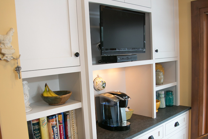 Freshly Remodeled Kitchen Cabinets in Edina